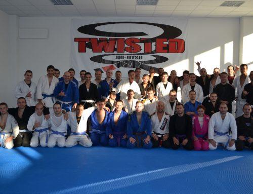 Двудневният семинар с Магнус Хансон и много сини колани за Twisted Jiu Jitsu