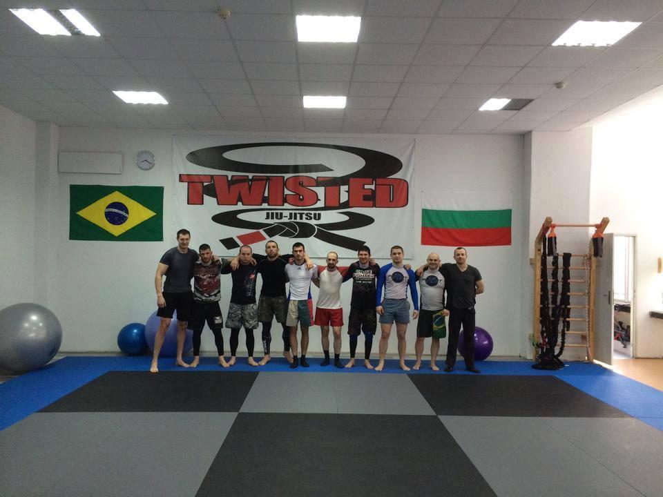 Twisted Jiu Jitsu сутрешни тренировки