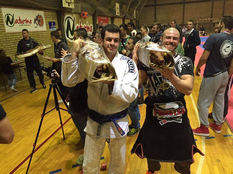 Пет медала, едно печено прасе и житейски уроци по време на Knjazevac International Open 2015